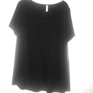 3xl classic t shirt by ~ Lularoe ~ silky